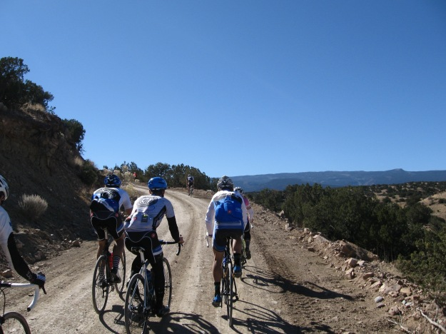 the dirt road climbs sharply just before La Madera
