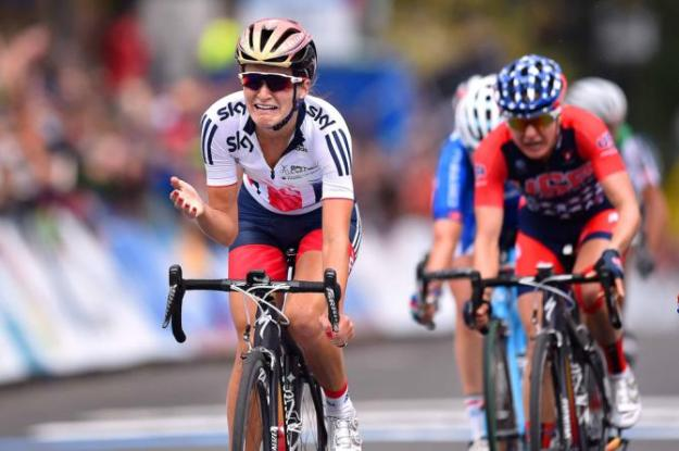 Elizabeth Armitstead winning Worlds, in the moment. Picture from cyclingnews.com