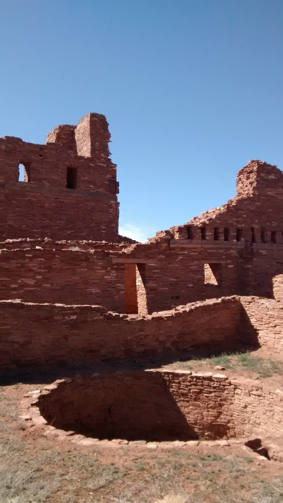 the built environment at Salinas Pueblo Missions was a blend of Puebloan and Spanish