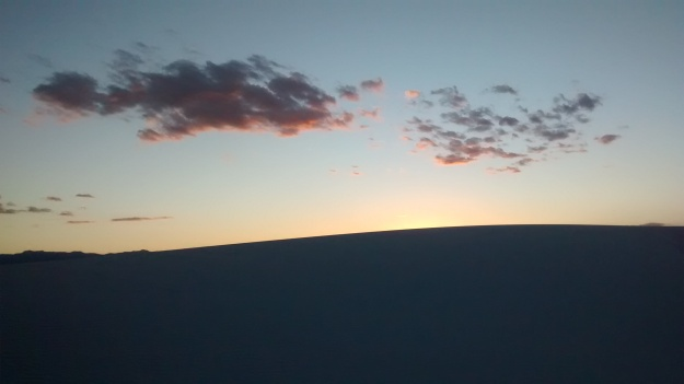 white-sands-dune-glow